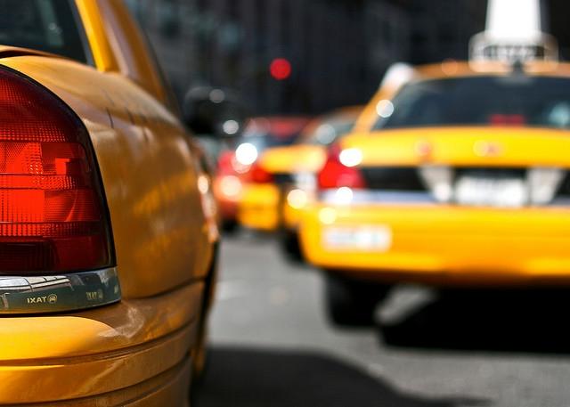 Такси в Москве такси Секреты москвича: как сэкономить на такси