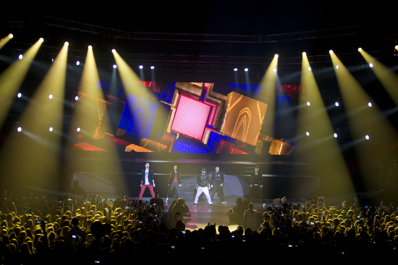 Группа Backstreet Boys во время концерта в Crocus City Hall Топ 10 площадок для концертов Топ 10 площадок для концертов image 09 07 14 20 48 4