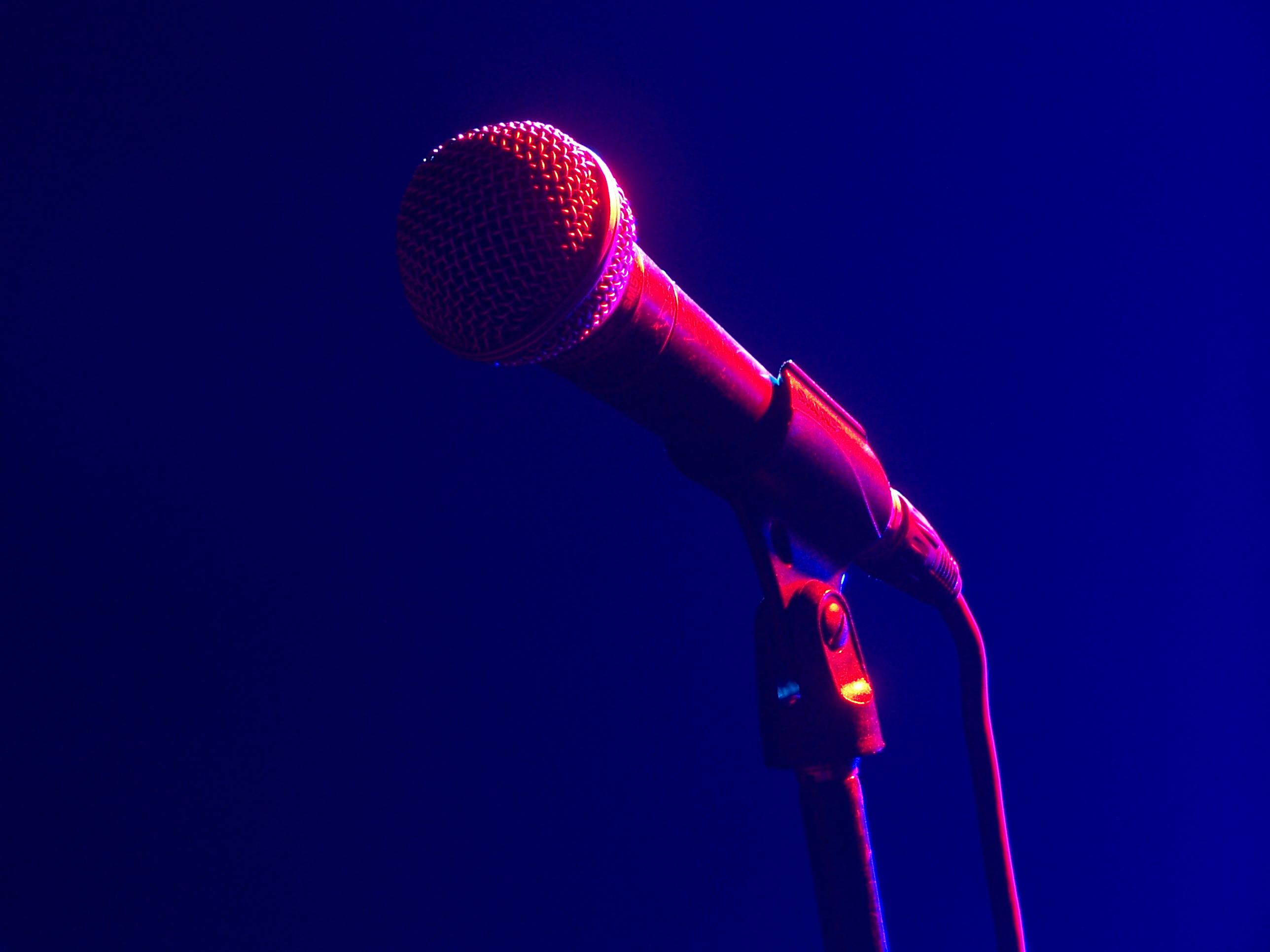 Photo of Стендап: самый жизненный юмор stand up Стендап: самый жизненный юмор Microphone