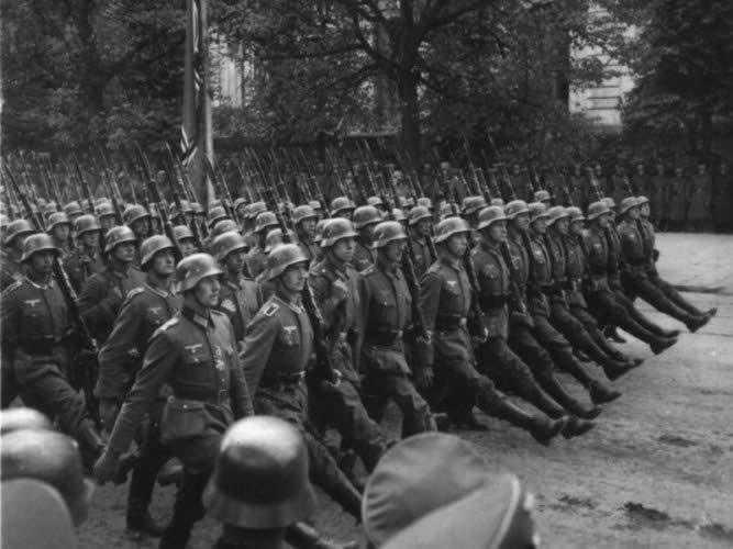 Photo of Немцы считают восьмое мая днем освобождения Немцы считают восьмое мая днем освобождения Немцы считают восьмое мая днем освобождения Wehrmacht parade