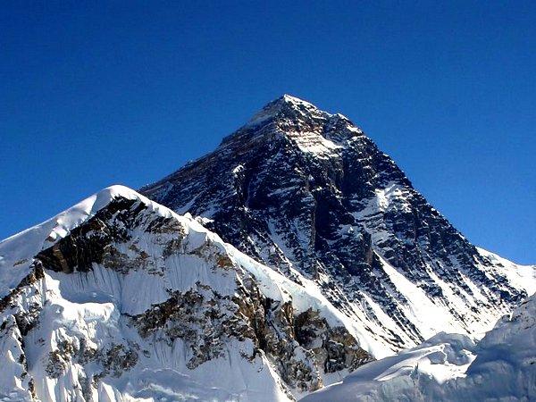 Photo of Землетрясение в Непале повлияло на высоту горы Эверест Землетрясение в Непале повлияло на высоту горы Эверест Землетрясение в Непале повлияло на высоту горы Эверест 23everest5