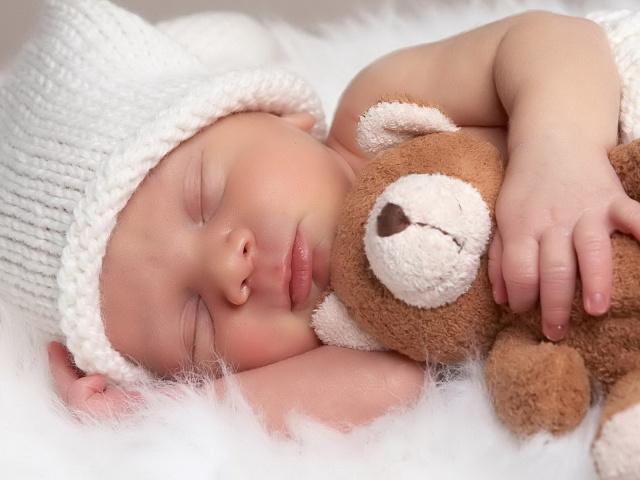 """Photo of Звезда сериала """"Шерлок"""" стал отцом Звезда сериала """"Шерлок"""" стал отцом Звезда сериала """"Шерлок"""" стал отцом People Children Sleeping baby 029016 29"""