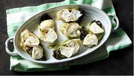 Теплый салат с козьим сыром от Алена Дюкасса 5 лучших осенних салатов высокой кухни на вашем столе 5 лучших осенних салатов высокой кухни на вашем столе recepty francuzskoj kuhni ot alen djukass 1