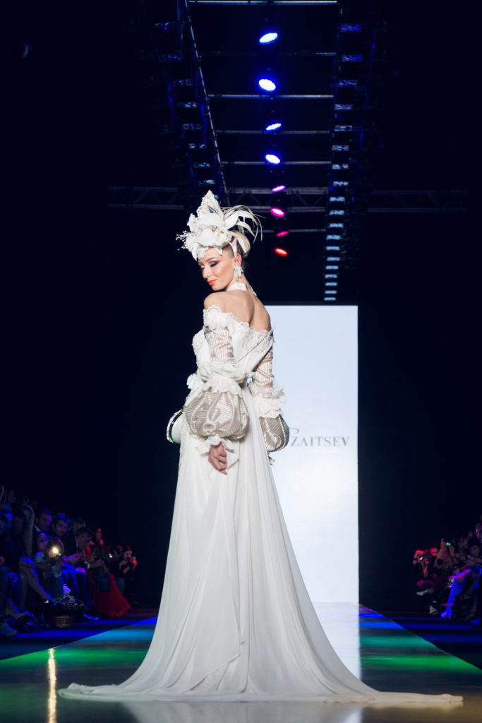 Mercedes-benz Fashion Week Russia 2015 Mercedes-benz Fashion Week Russia 2015 стартовала в Москве Mercedes-benz Fashion Week Russia 2015 стартовала в Москве DSC2065 683x1024