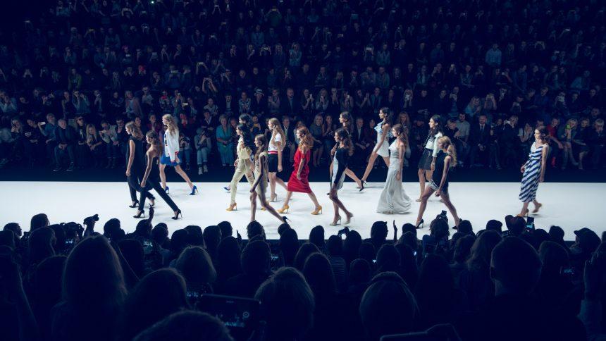 Photo of Самые яркие коллекции на Неделе моды в Москве Неделя моды 2015 Самые яркие коллекции на Неделе моды в Москве DSC2577 e1561386213249