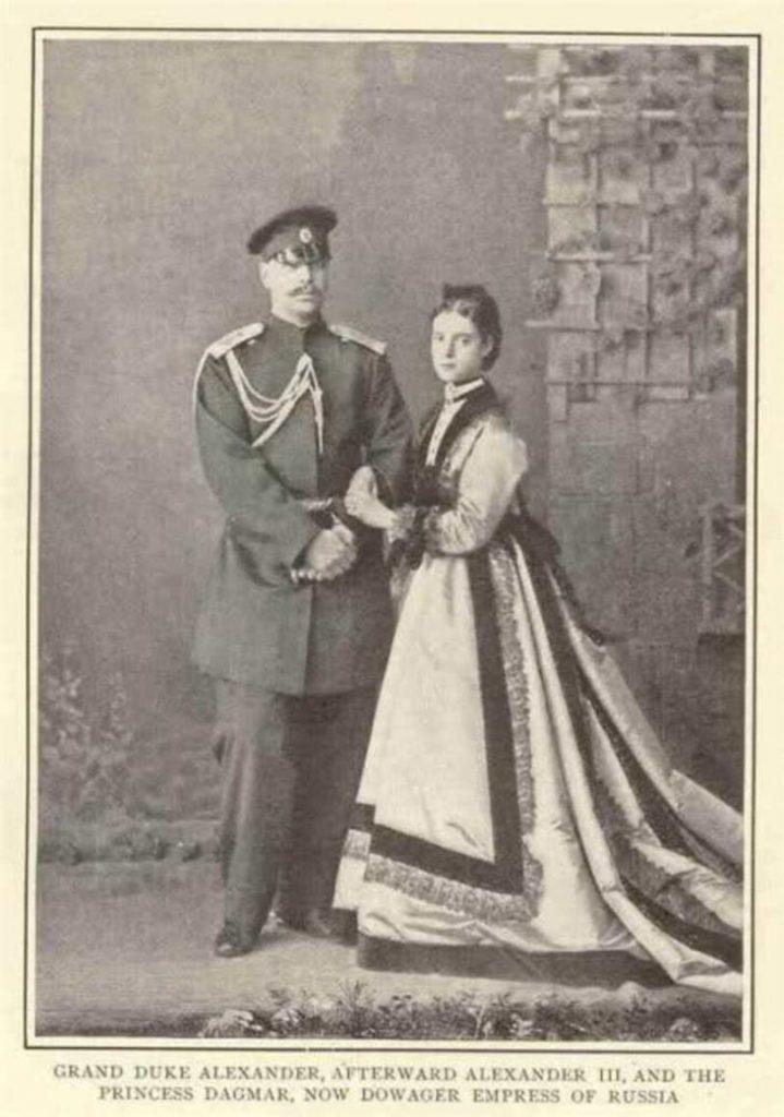 будущие император и императрица Александр iii Как Александр III отказывался от престола: история запретной любви l52kmys7lv 719x1024