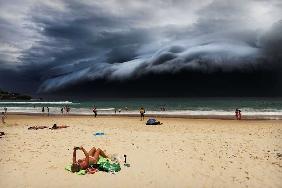 "Rohan Kelly ""Storm Front on Bondi Beach"" world press photo contest 2016 World Press Photo Contest 2016 main 900 2"