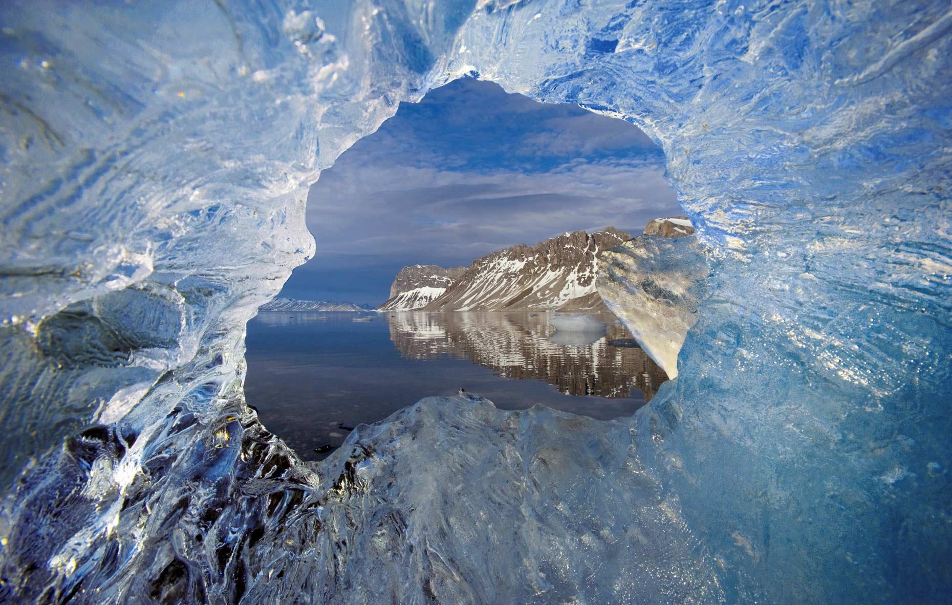 Photo of Площадь льдов в Арктике сократилась до рекордного минимума Площадь льдов в Арктике сократилась до рекордного минимума Площадь льдов в Арктике сократилась до рекордного минимума Photo by Paul Nicklen 29