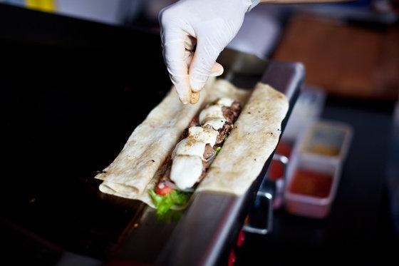 Meat Point Grill & Roll На ходу: уличная еда в Москве На ходу: уличная еда в Москве meat point