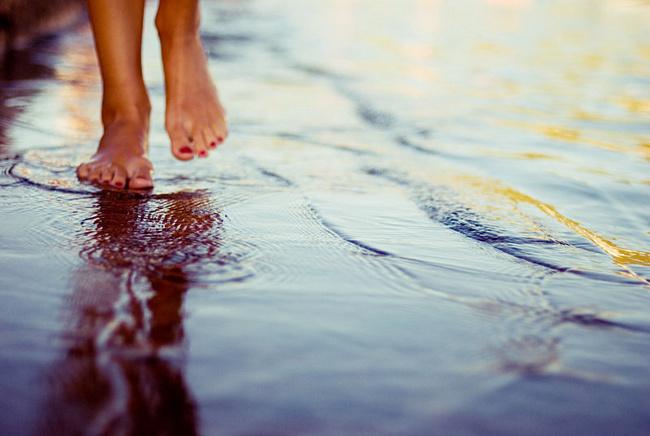 Гулять босиком под дождем note: 100 вещей, которые нужно сделать летом Note: 100 вещей, которые нужно сделать летом 036b3083d3ef2f3c900cfe4fb46d801bdcec o