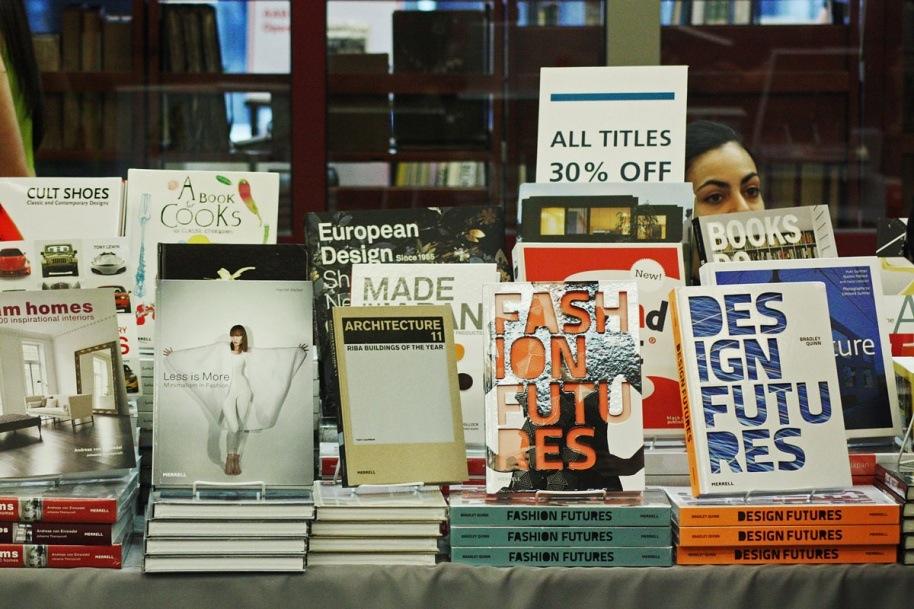 Книжный магазин института «Стрелка» иностранная пресса Купить иностранную прессу в Москве: явки и пароли image9