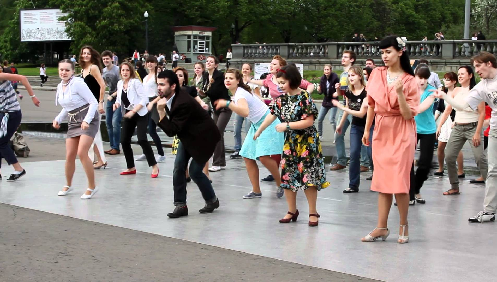 Танцы в парках Москвы Летние фестивали в Москве Летние фестивали в Москве maxresdefault 1