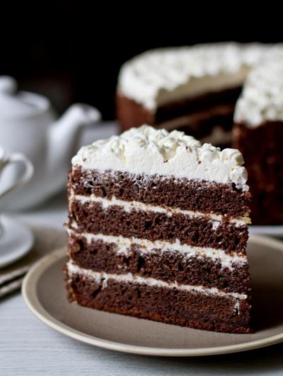черемуховый торт Необычные блюда Москвы Необычные блюда Москвы cheremuhovyi tort so smetannym kremom 1