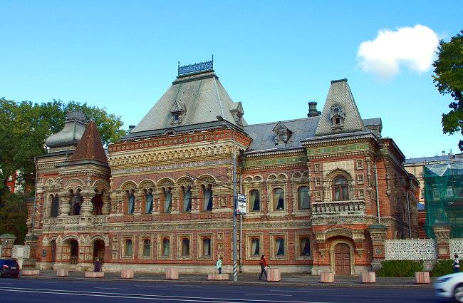 Резиденция посла Франции (Дом Игумнова, 1895 г.) посольства в москве - png base64 iVBORw0KGgoAAAANSUhEUgAAAYYAAADcAQMAAABOLJSDAAAAA1BMVEUAAACnej3aAAAAAXRSTlMAQObYZgAAACJJREFUaIHtwTEBAAAAwqD1T20ND6AAAAAAAAAAAAAA4N8AKvgAAUFIrrEAAAAASUVORK5CYII  - Экскурсия по посольствам Москвы: самые интересные архитектурные постройки