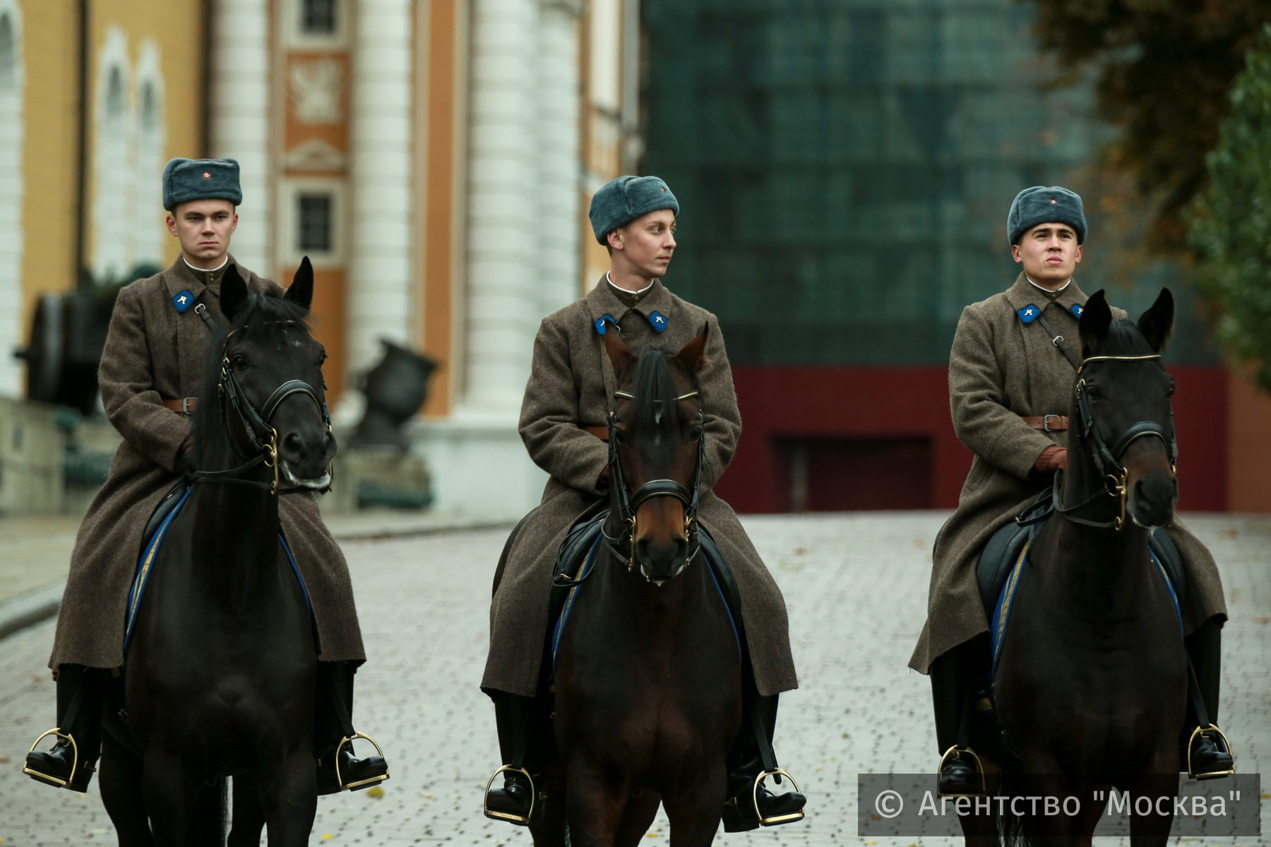 Photo of Прошел последний в 2016 году развод караула в Кремле  Прошел последний в 2016 году развод караула в Кремле 238638
