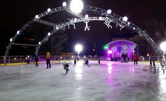 катки в москве, каток в парке каток в парке Каток в парке: как провести выходные на льду muzykalnyykatokvsaduimenibaumana