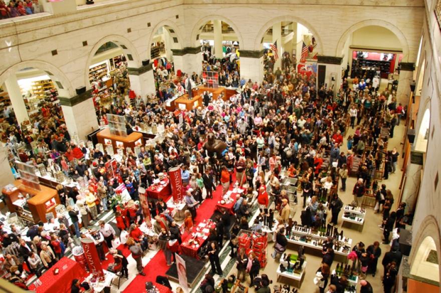 традиционный рождественский сезон распродаж забавы. Волнующие объемы