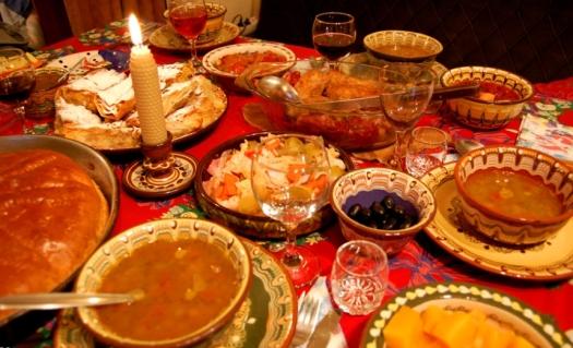 рождественский стол в болгарии рождественский стол Шагаем по миру: Рождественский стол в разных странах tOAcrv6f