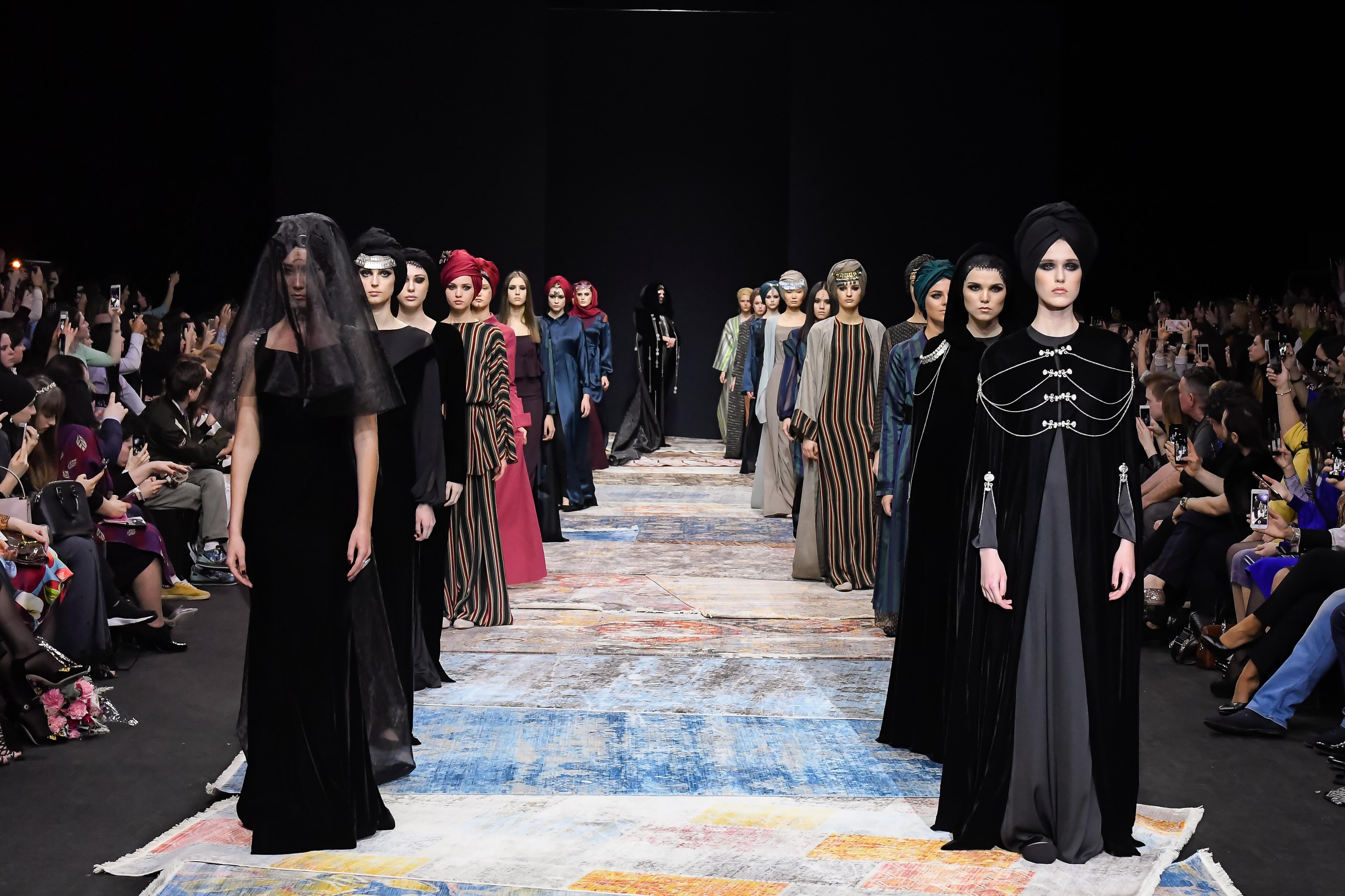Неделя моды 37-й сезон Недели моды в Москве B0Y2325