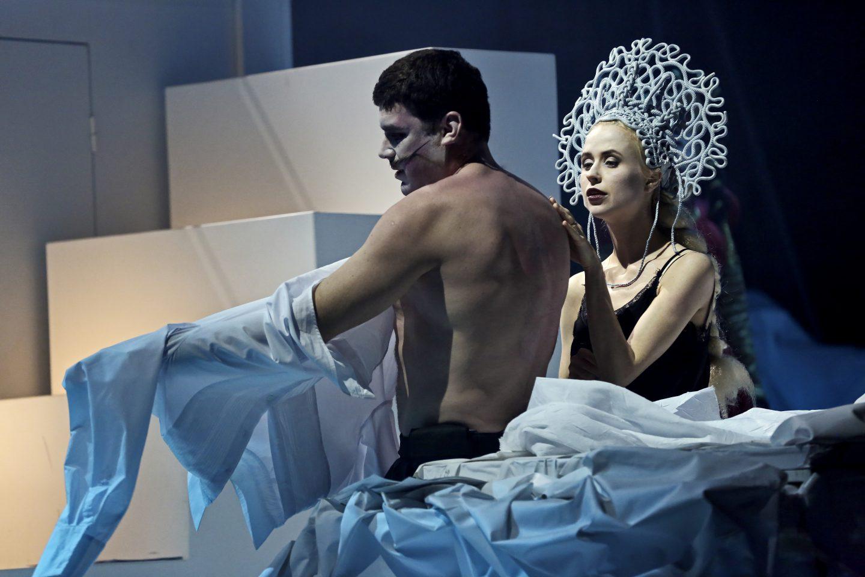 «Ордалии»: огонь и вода на сцене Театра Луны