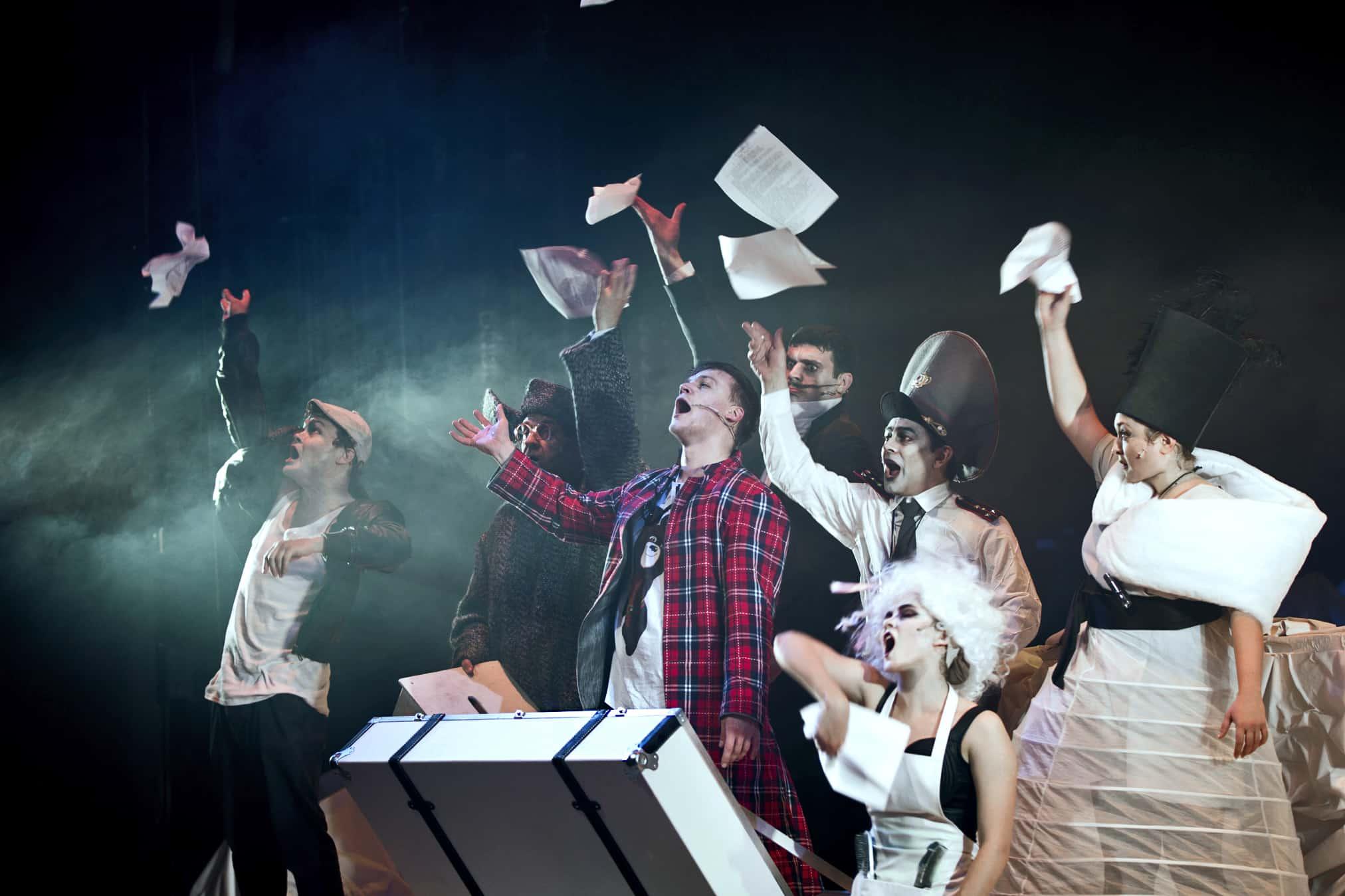 «Ордалии»: огонь и вода на сцене Театра Луны «Ордалии»: огонь и вода на сцене Театра Луны O2596