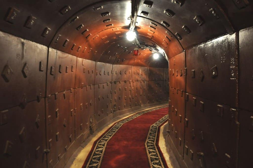 65 метров под землей