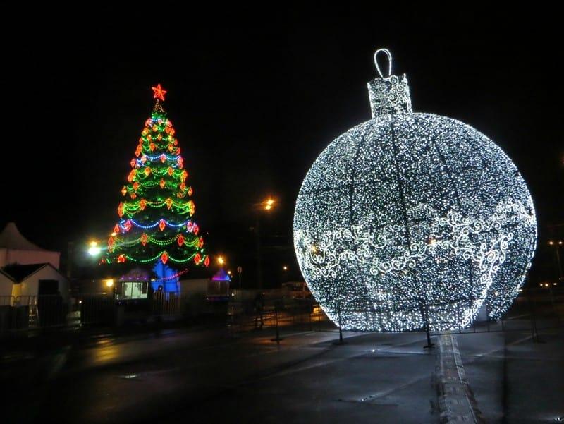 В Москве установят самый большой вмире елочный шарстанцполом внутри В Москве установят самый большой вмире елочный шарстанцполом внутри 3 2