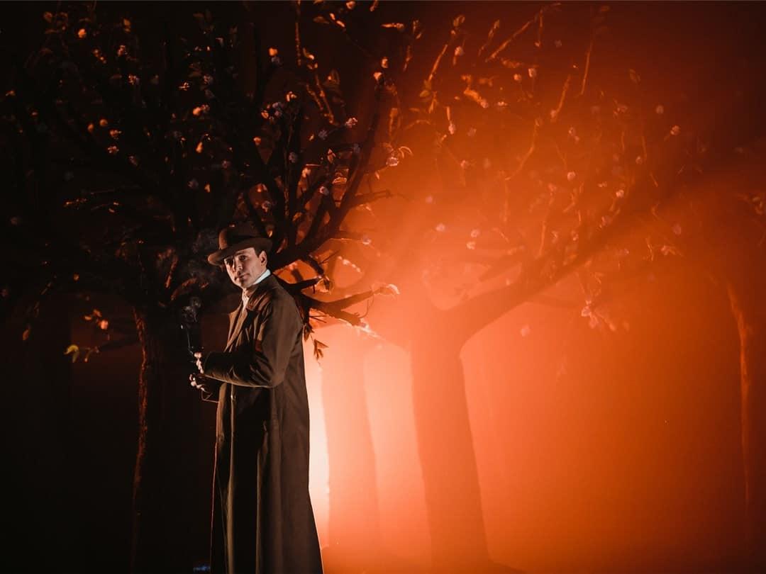 «Мы построим здесь новый сад!»: переосмысленный Чехов на сцене Московского Губернского театра «Мы построим здесь новый сад!»: переосмысленный Чехов на сцене Московского Губернского театра                         3