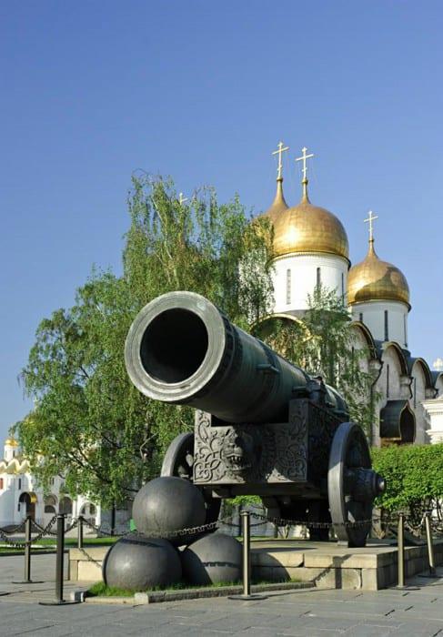 Царь-пушка на Ивановской площади Царь-пушка на Ивановской площади 1 7