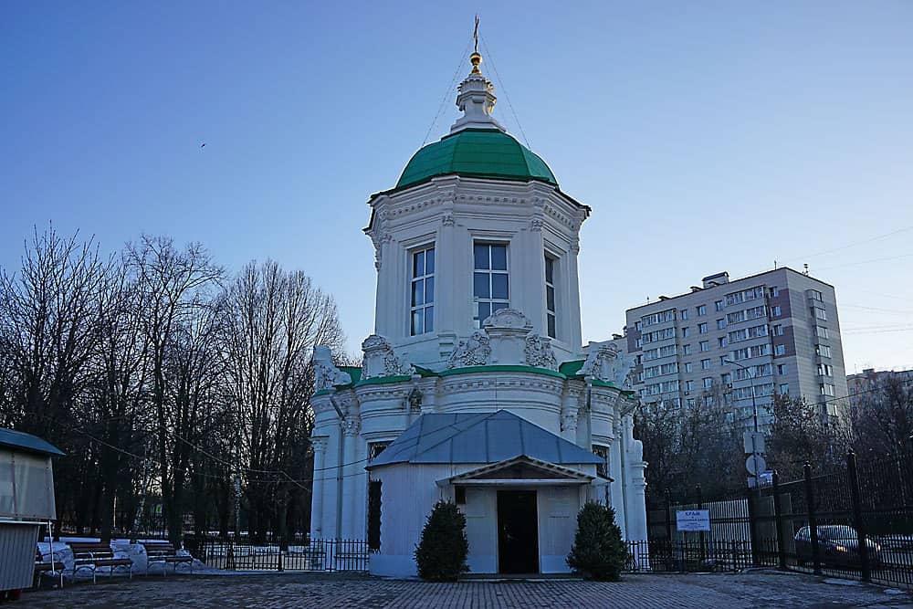 Храм иконы Божией Матери «Знамение» в Перово 5 московских храмов, где венчались знаменитые люди 5 московских храмов, где венчались знаменитые люди F7GBeYduXp8