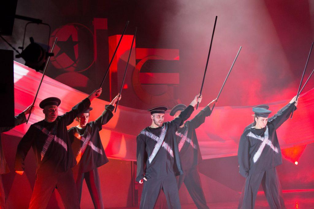 """""""Маяковский"""" в Театре Луны: """"Переханный временем..."""" """"Маяковский"""" в Театре Луны: """"Перееханный временем…"""" g2glmxHb2Io 1024x683"""