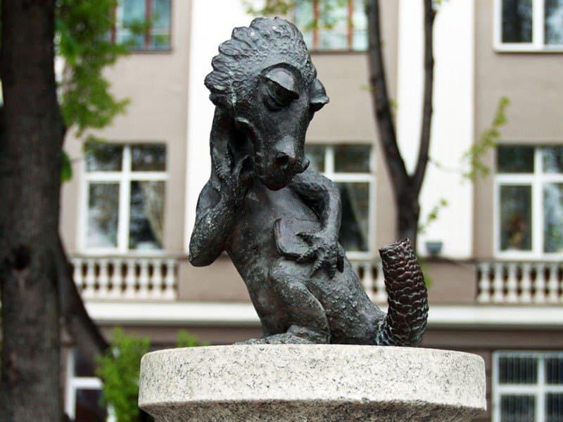 Хвост, башмак и зачетка: Студенческая жизнь в памятниках Хвост, башмак и зачетка: Студенческая жизнь в памятниках yasher