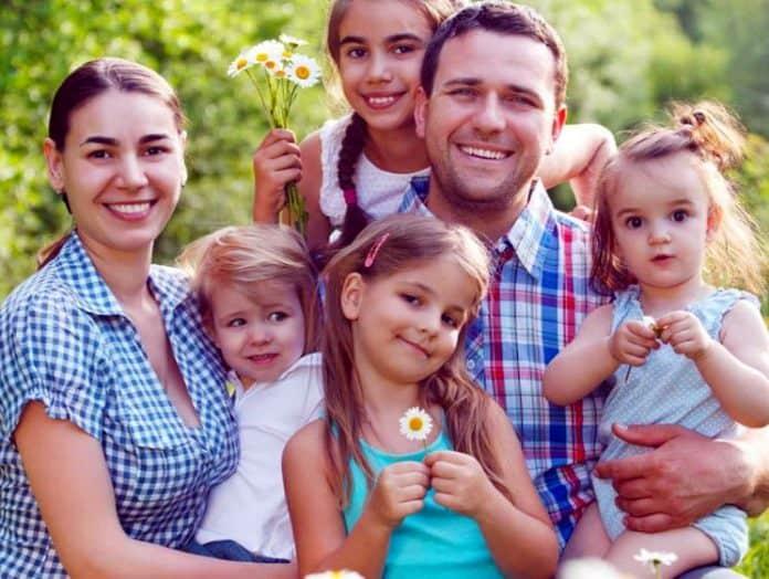 Какие выплаты и льготы положены многодетным семьям в Москве Какие выплаты и льготы положены многодетным семьям в Москве 2 14