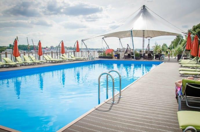 Открытый бассейн бассейн Где искупаться в Москве – открытые бассейны 2018 4fdfa6914bf0dc06e5240a53e659d93c