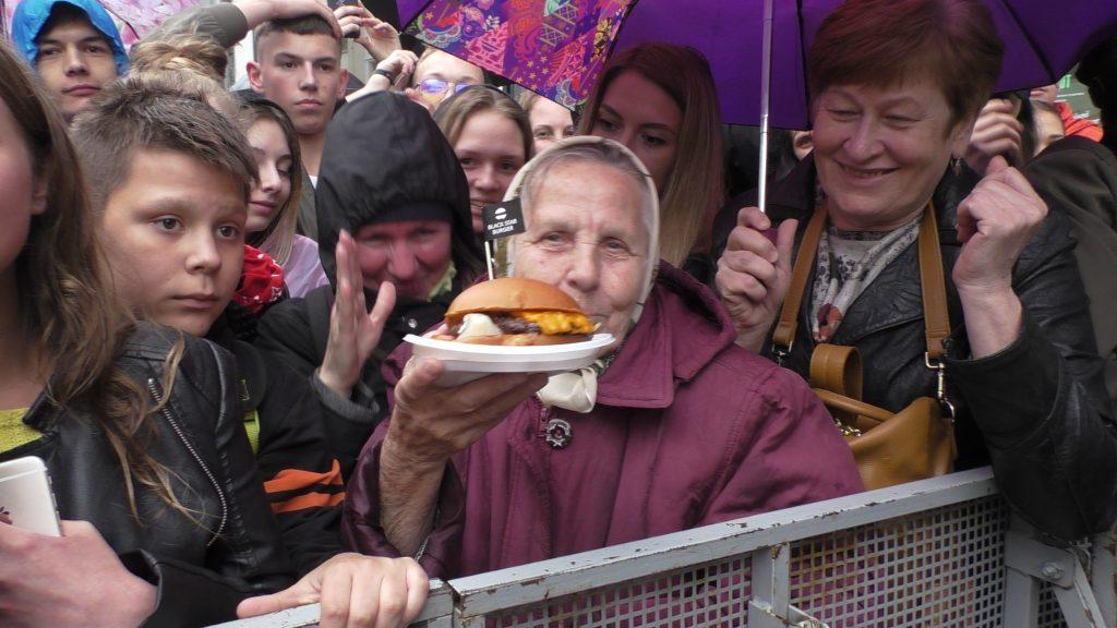 На Мясницкой открылся Новый black star burger. На Мясницкой открылся новый Black Star Burger. Репортаж S1260022 1024x576