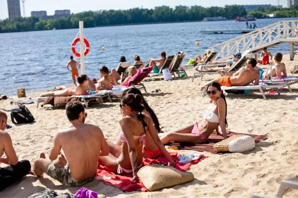 Пляжный отдых в Москве Пляжный отдых в Москве 2 4