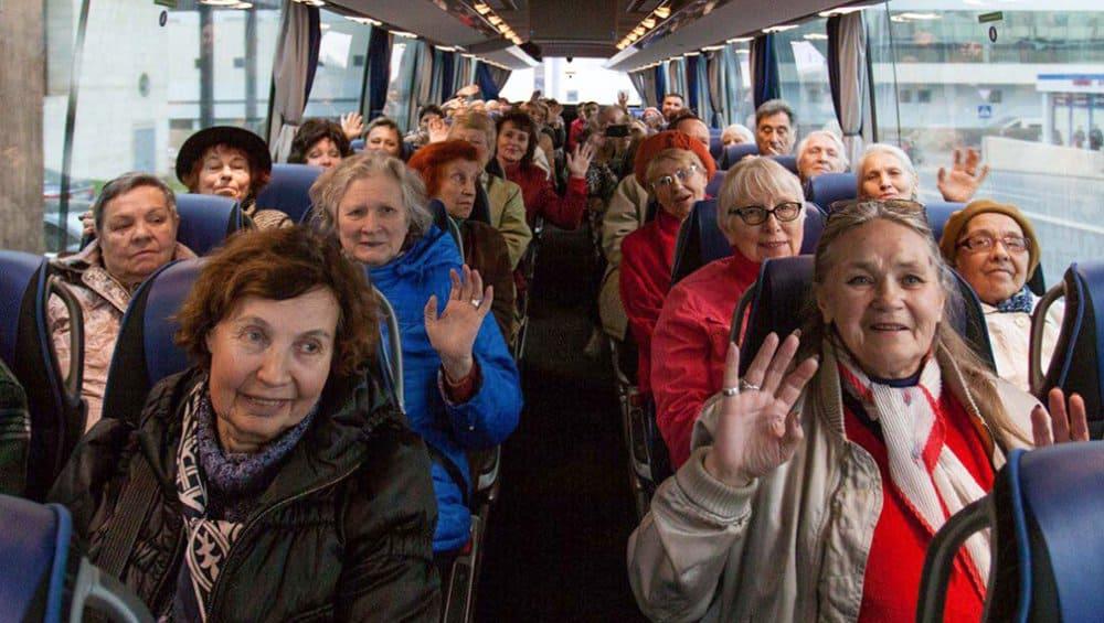 Пассажирами «Доброго автобуса» стали 10 тысяч москвичей Пассажирами «Доброго автобуса» стали 10 тысяч москвичей 2 6