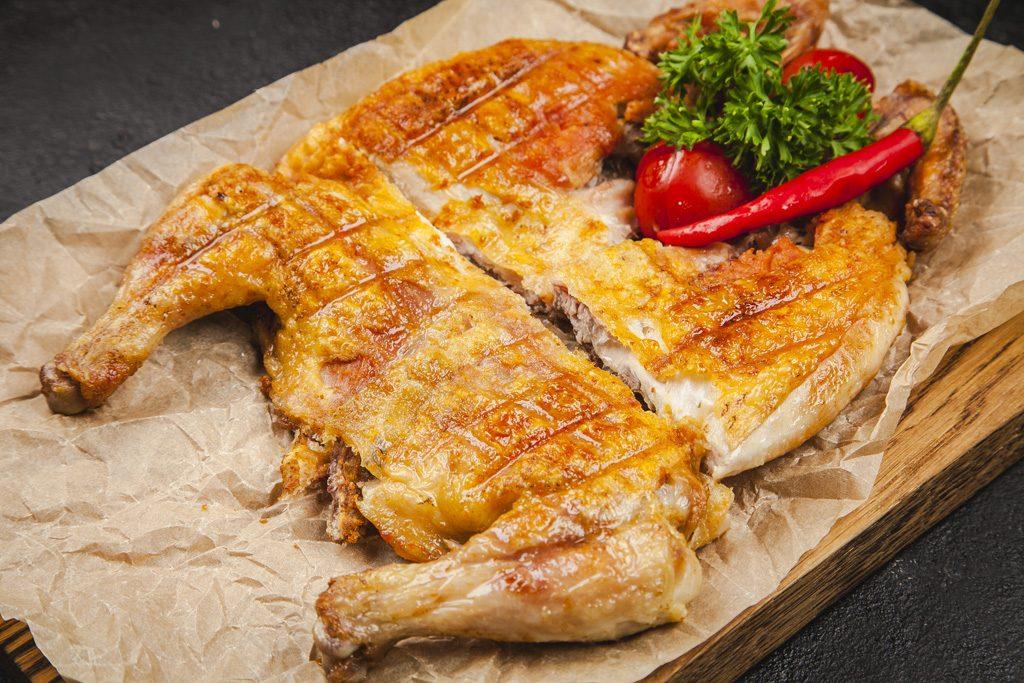 Цыплёнок табака винный бар «Мегобари» Винный бар «Мегобари» на Маросейке. Подробный обзор                                 1024x683