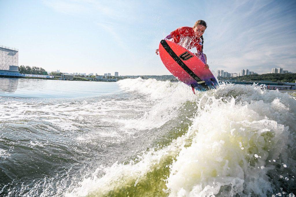 вейксёрфинг вейксёрфинг Лови волну! О сёрфинге в Москве и России Locals Only50 1024x682