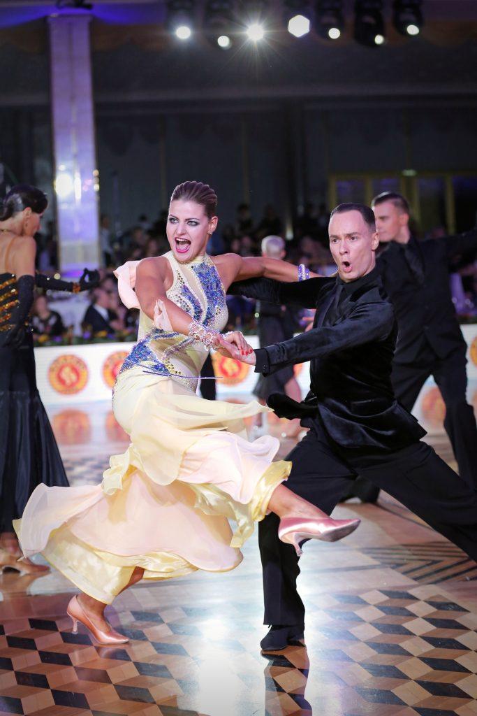 танцы Чемпионат мира 2018 по европейским танцам среди профессионалов                                                                  American Smooth                                                 683x1024