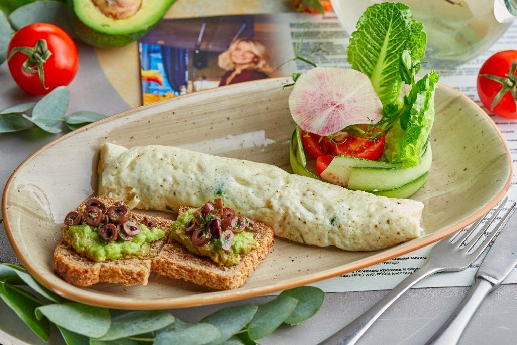 Калифорнийский завтрак 590 руб  food embassy Мировые завтраки в Food Embassy                                                 590        3 1024x683