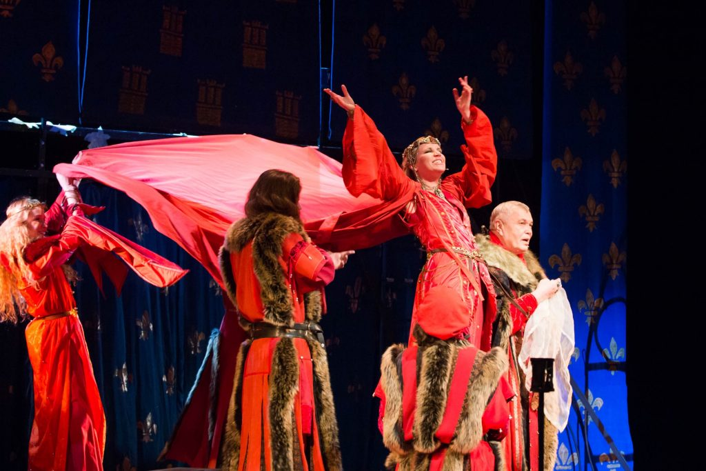 Айрат Тухватуллин Новый директор «Театра Луны» подводит итоги своей работы за год IMG 1253 12 12 18 19 54 1024x683