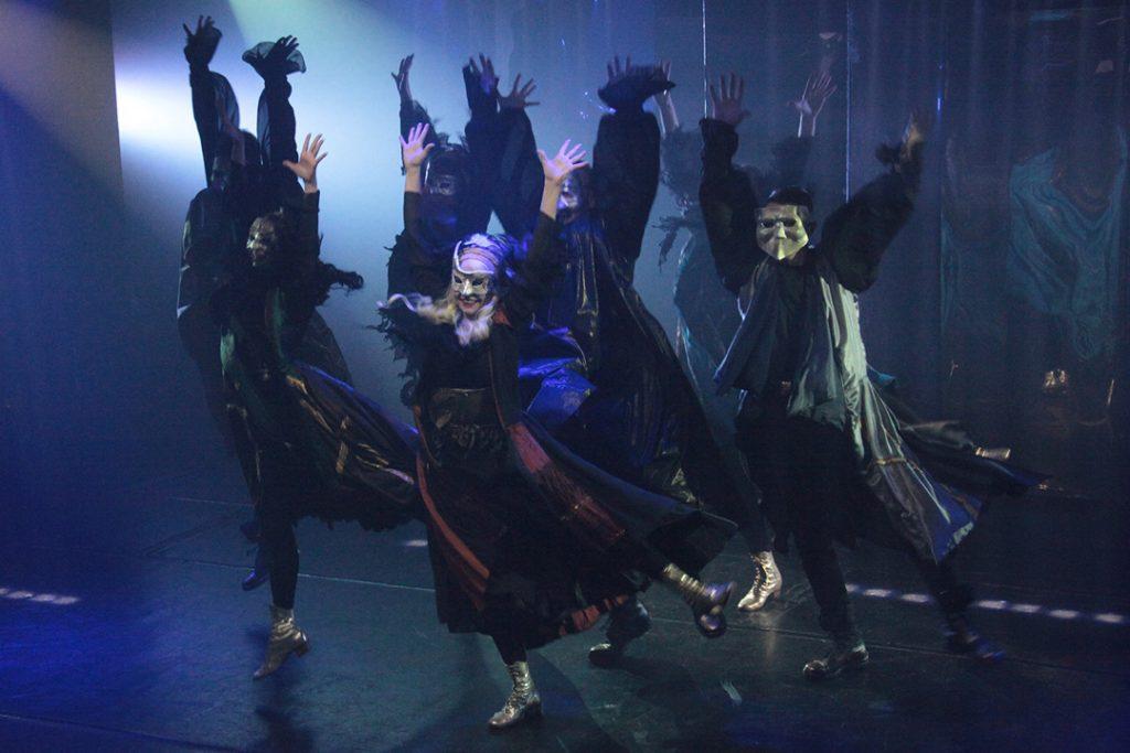 кабалы святош Премьера «Кабалы святош» в театре «На Юго-Западе» 01 1024x683