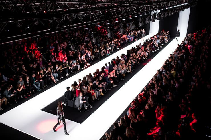 352b96eb7fc В Москве пройдет Mercedes-Benz Fashion Week Russia 2019 (Live)