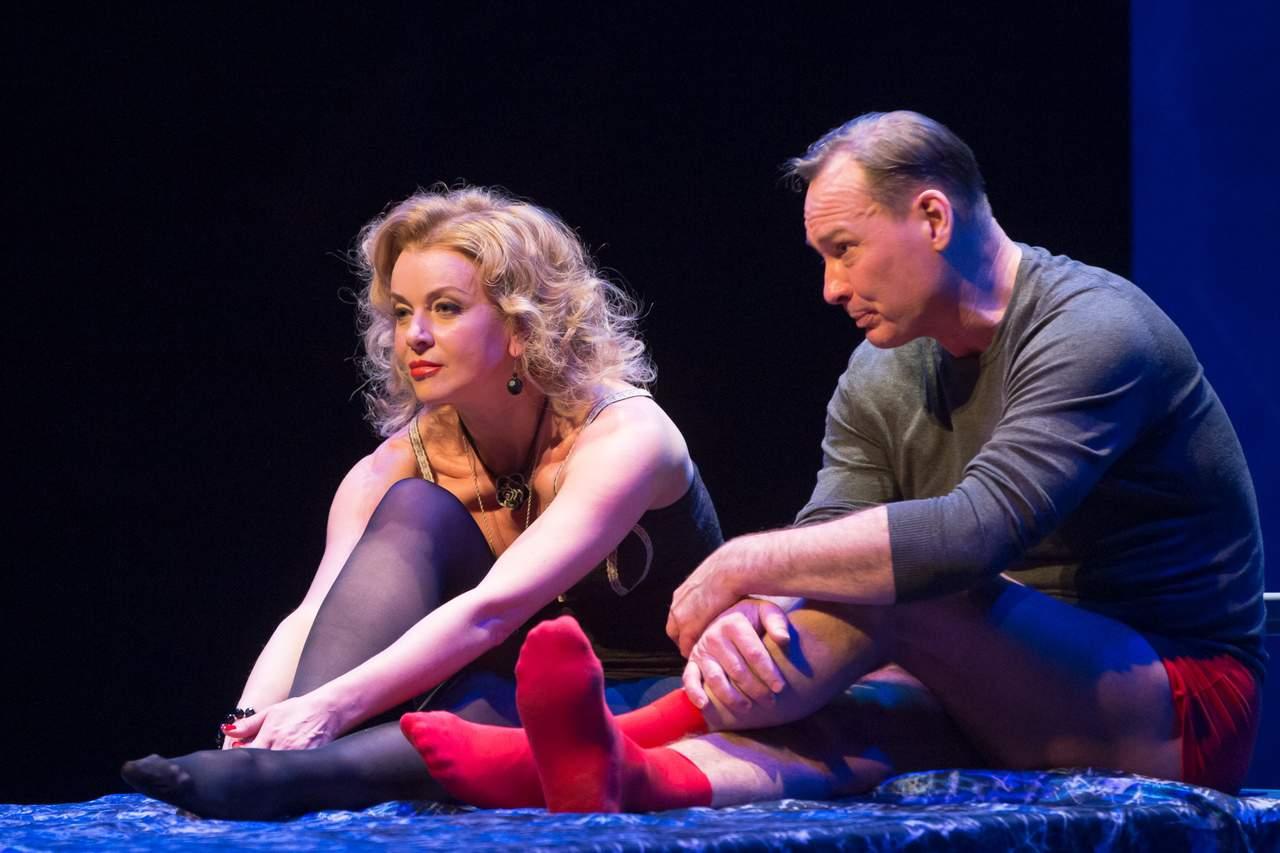 театр Луны «Не бойся жизни, Коля!» : премьерный спектакль «Солнышко моё» в Театре Луны sjapRftQzu4
