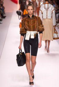 мода Выглядеть так, будто сошел с модных подиумов Милана или Парижа в московских джунглях?! 450 665 9338388f7f3289bad5d24ba820fc36b1 OWYzZjI1MzYzNw 203x300