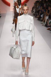 мода Выглядеть так, будто сошел с модных подиумов Милана или Парижа в московских джунглях?! 5ba3961e30b26 199x300