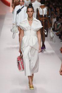 мода Выглядеть так, будто сошел с модных подиумов Милана или Парижа в московских джунглях?! 5ba3961f16c29 199x300