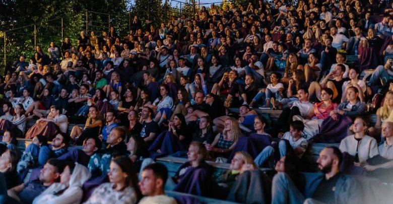 Photo of Летние кинотеатры: где в Москве посмотреть кино под открытым небом Летние кинотеатры Летние кинотеатры: где в Москве посмотреть кино под открытым небом                                      780x405