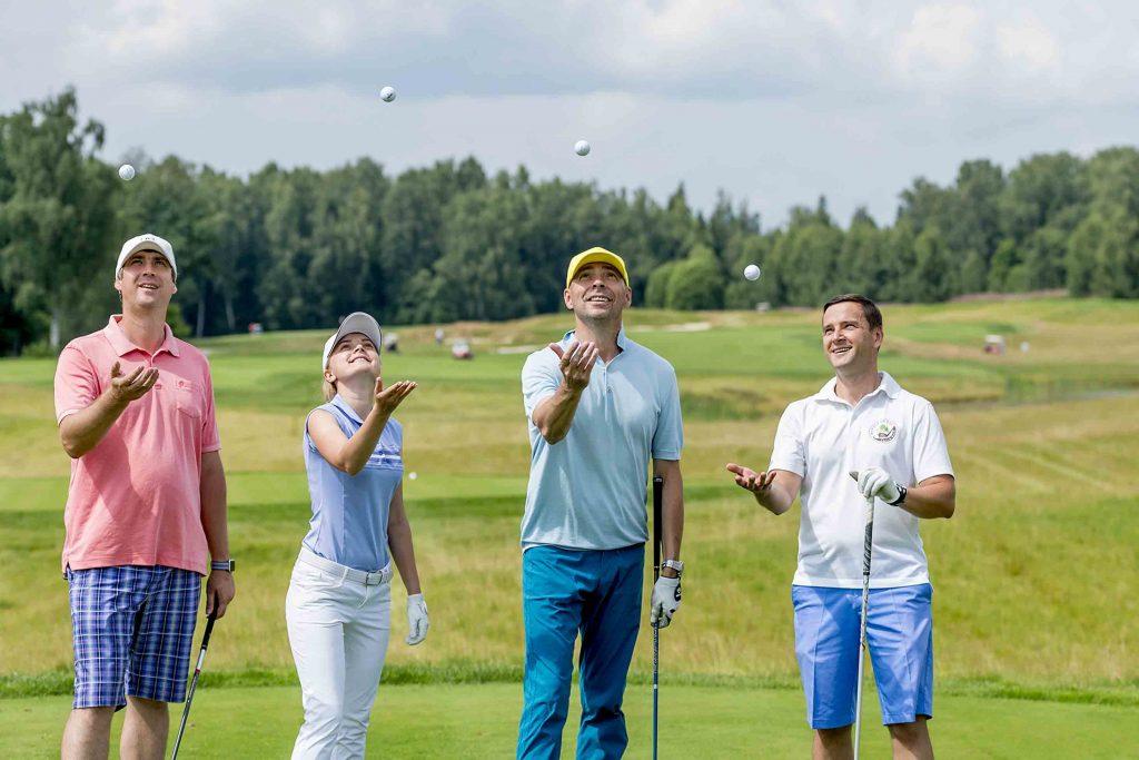 Друзья в Форест Хиллс Форест Хиллс Выходные на йога-даче в гольф-клубе «Форест Хиллс»          GJZ5314                T   min 1024x683